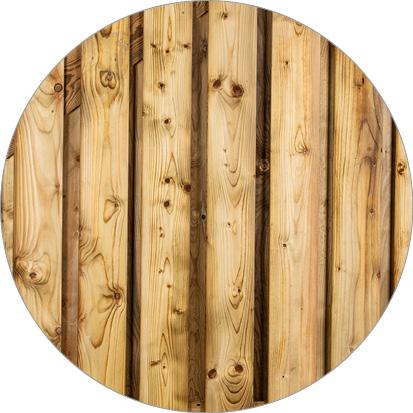 kleurverschil geïmpregneerd vurenhout